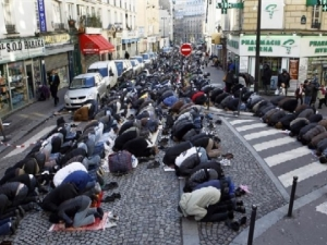 Street Prayer Ban in France