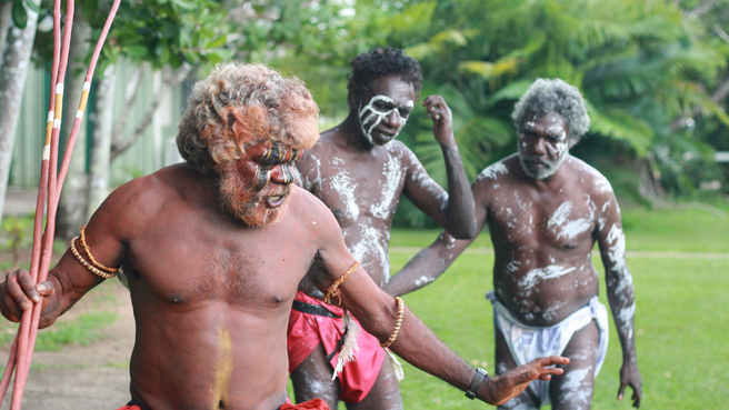 Government adviser Warren Mundine says green groups want to keep indigenous communities in poverty.